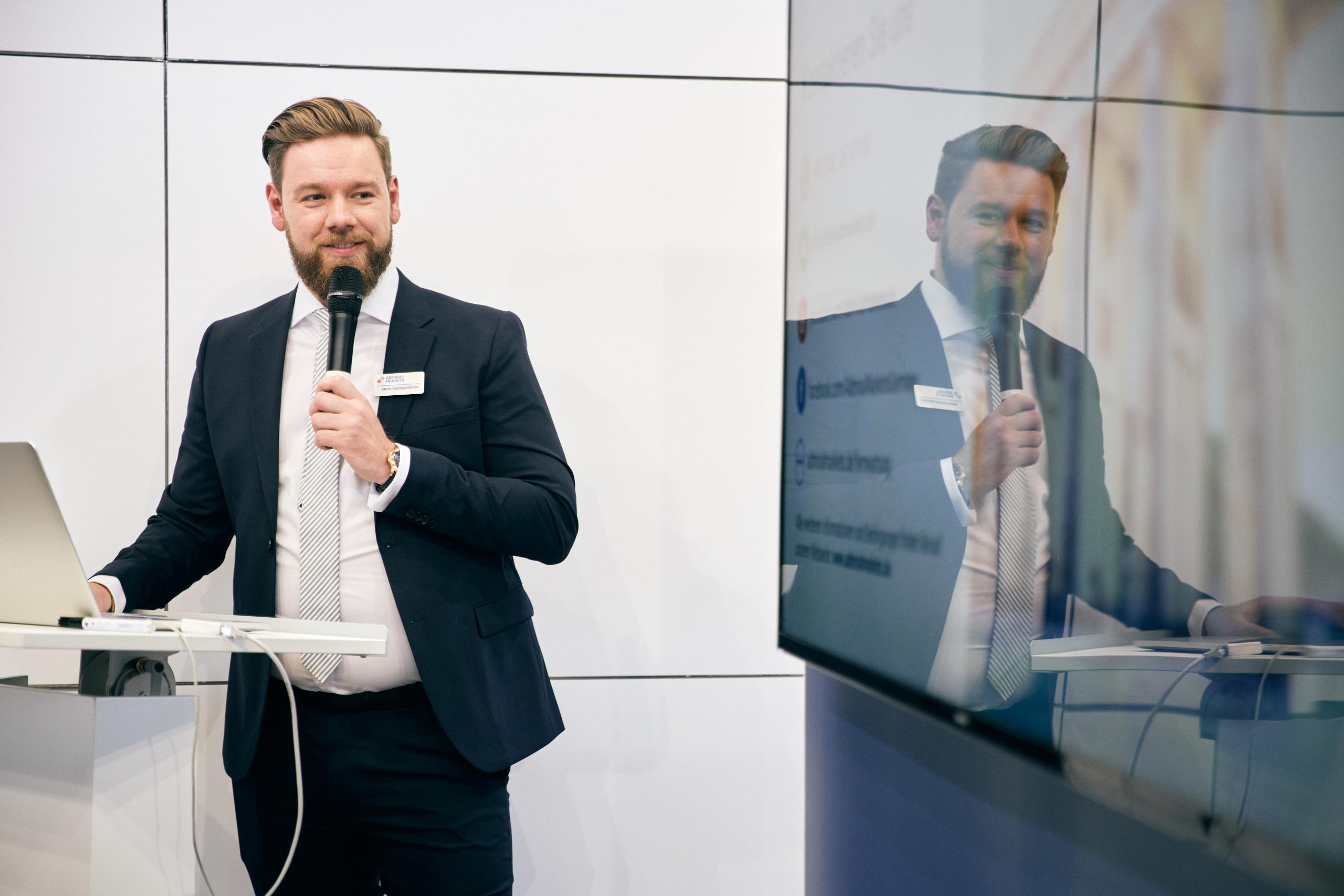 World-of-Trading-2019-Messe-Bericht-vom-Centre-Court-Kommentar-Jens-Chrzanowski-GodmodeTrader.de-4
