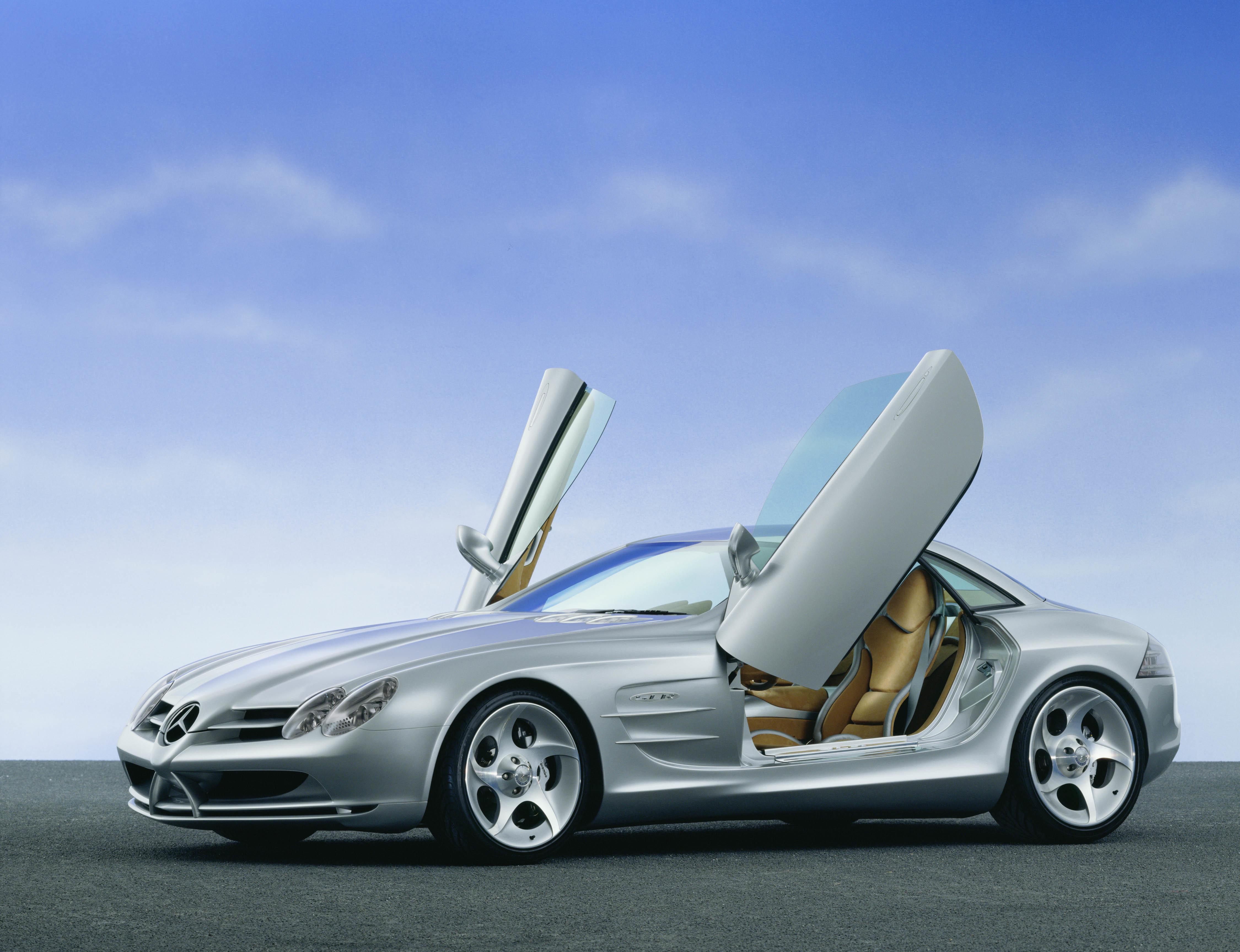 Automobilbranche-Kaufen-Sie-sich-lieber-ein-Luxusauto-statt-Aktien-Chartanalyse-Lisa-Hauser-GodmodeTrader.de-1